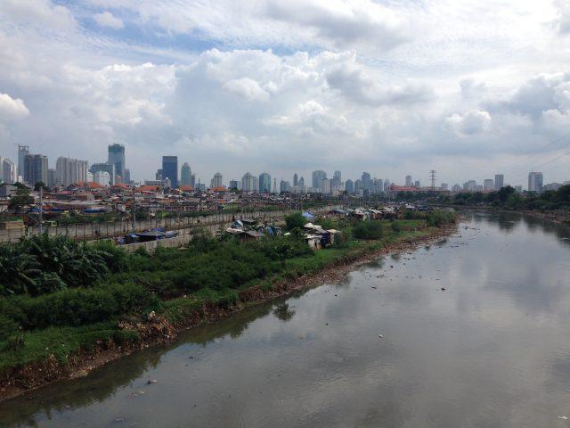 急速に都市化が進んで、まさにアジアの混沌という印象