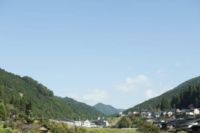 山々に囲まれた西粟倉村